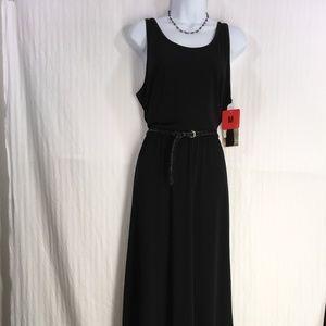 black dress  ( Fever )  sz M  ( NWT )